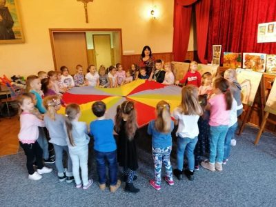 Owocna współpraca Pierwszaków z Przedszkolakami