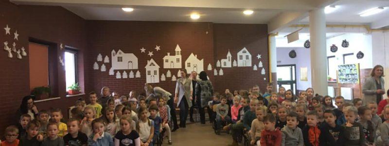 Wspólne kolędowanie – odwiedziny Przedszkolaków w SP3